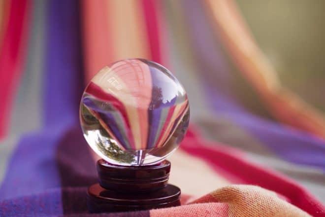 Une boule de cristal. Image d'illustration.