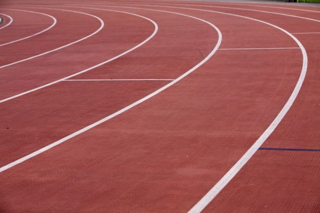 Une piste d'athlétisme. Image d'illustration.