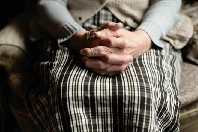 Une personne âgée. Image d'illustration.