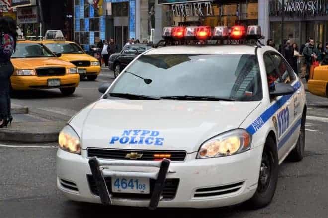 Une voiture des forces de police américaines. Image d'illustration.