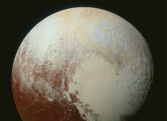 Pluton vue par la sonde New Horizons en 2015.