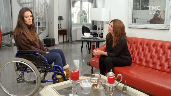 """Clémence et Tania (Les Mystères de l'Amour saison 25, épisode 19 """"Retour à Friar's Bay"""")."""